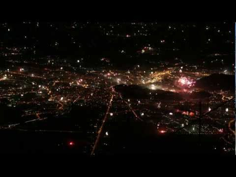 SALZBURG: Sylvester Feuerwerk 2012/13 von YouTube · HD · Dauer:  3 Minuten 1 Sekunden  · 5000+ Aufrufe · hochgeladen am 01/01/2013 · hochgeladen von Andi