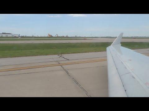 American Eagle (Envoy) Bombardier CRJ-700 [N521AE] takeoff from MCI