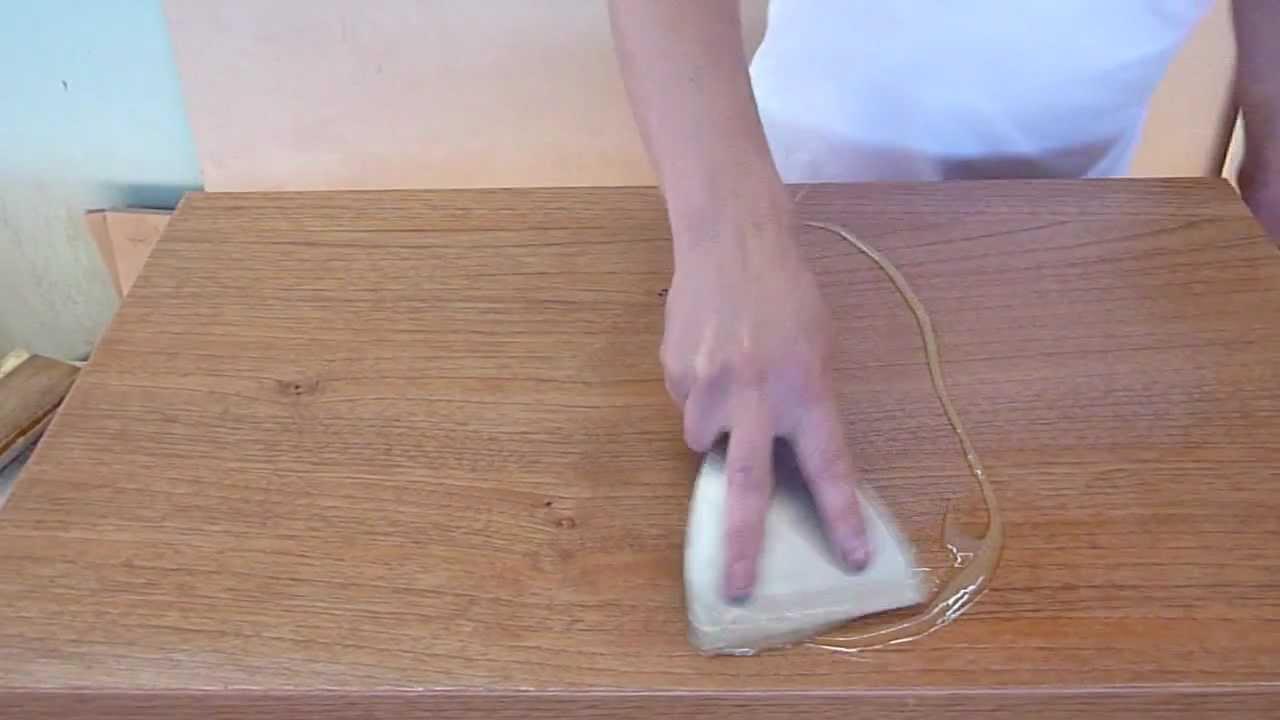 Pintado de mueble con espatula rapido youtube for Como pintar un mueble laminado