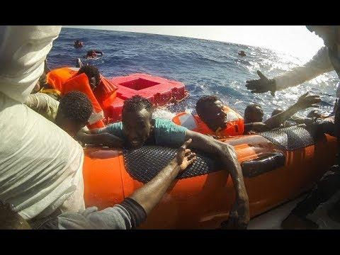 Italian coast guard r escue 800 migrants