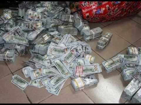 EFCC Uncover $38 million, £27,000 and N23 million in Ikoyi, Lagos