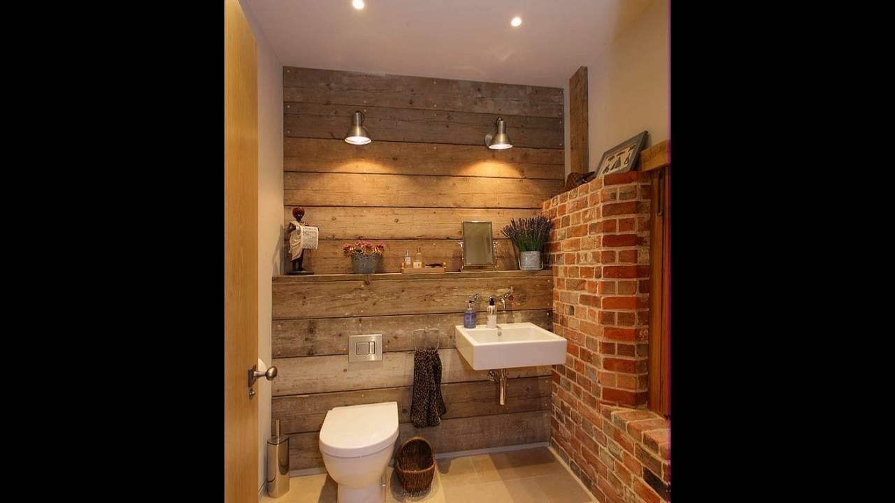 Kleines bad mit backsteinmauer und touch of holz w rme for Badideen mit holz