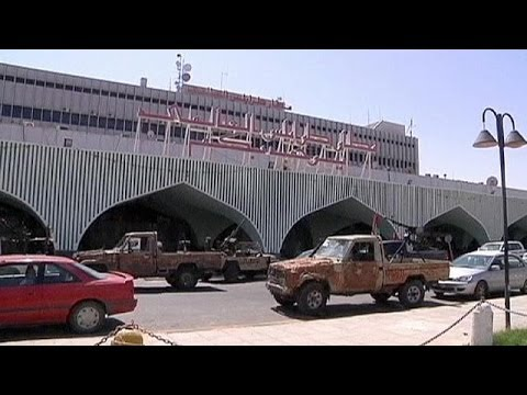 Libya: fighting and explosions near airport in Tripoli