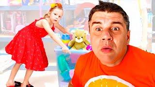 Nastya e sua amiga ajudam o papai a limpar a casa