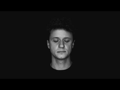Andrea Cerrato – DUE PAPÀ (Official video)