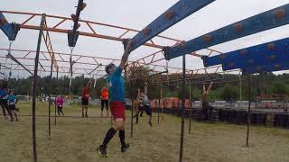 Michael Sanchez doing Multi-Hold Overhead obstacle at 2018 Terrain Race.