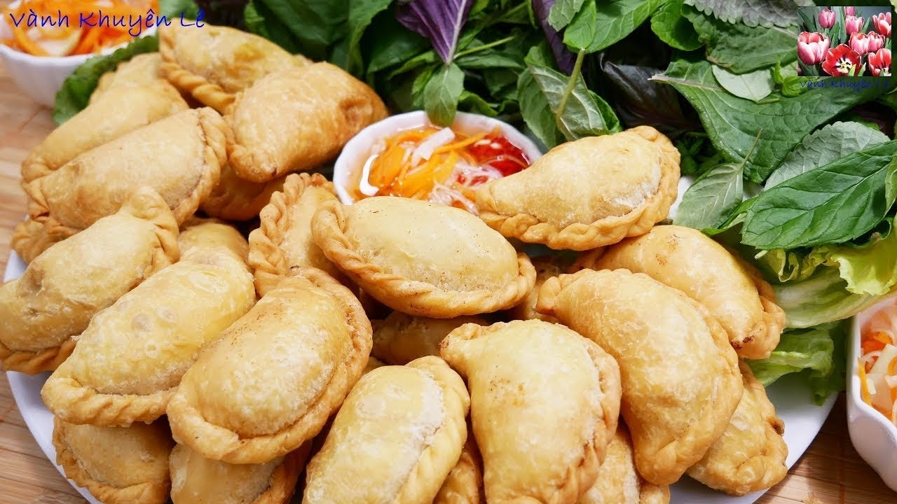 BÁNH GỐI – Cách làm và cách xếp Vỏ Bánh Gối / Bánh Xếp Nhân thịt Gà – món ăn ngon by Vanh Khuyen