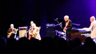 Graham Parker & The Rumour - Watch The Moon Come Down