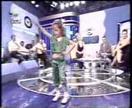 الطفلة المعجزة/arabic dance /belly dance thumbnail