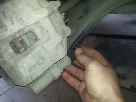 Киа Рио!  Замена передних тормозных колодок.