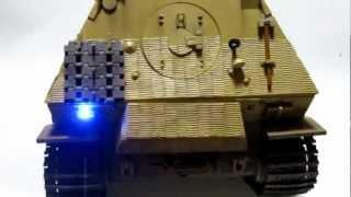 1/16エレファント 車間距離表示灯にチップLED仕込み&戦闘室に機関銃取付