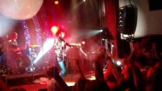 Yeah Yeah Yeahs - Zero (Live @ Debaser Medis, Stockholm, 080509)