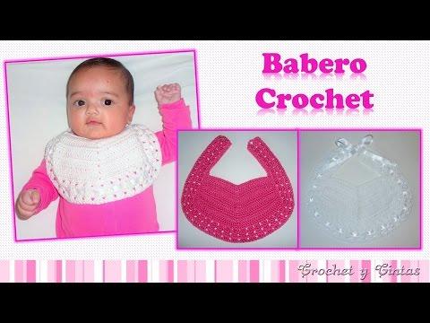 Babero para bebés con botón o cintas tejido a crochet (ganchillo)