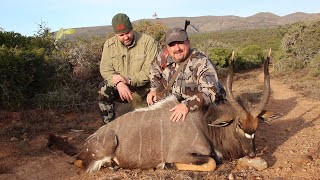 AFRICA TRAVEL & HUNT DAY 1235