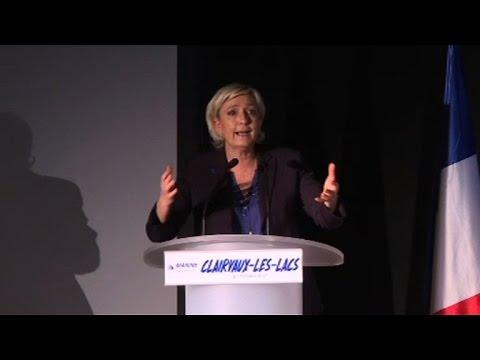 Dans le Jura, Marine Le Pen s'en prend à ses concurrents