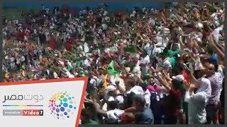 فرحه هستيرية لجماهير الجزائر عقب التقدم علي غينيا
