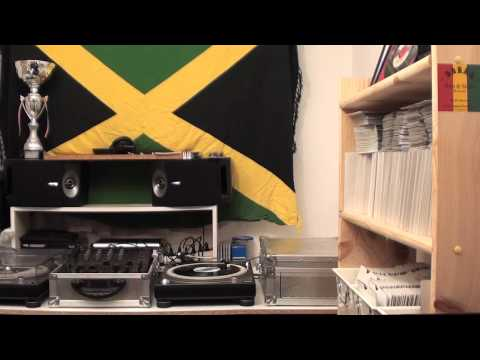 Roberto Sanchez - Nice up the dance +  dub (RAGGATACK productions)