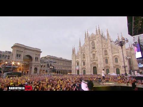J-Ax - Intro (Live Duomo Milano) - Giugno 2016