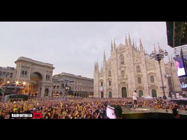 j-ax-intro-live-duomo-milano-giugno-2016-giuliano-di-blasi