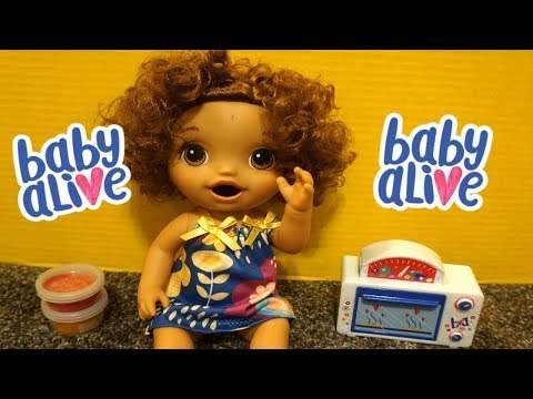 BABY ALIVE Snackin Treats Baby Doll!