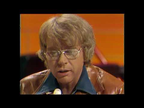 American Bandstand 1975- Interview CW McCall