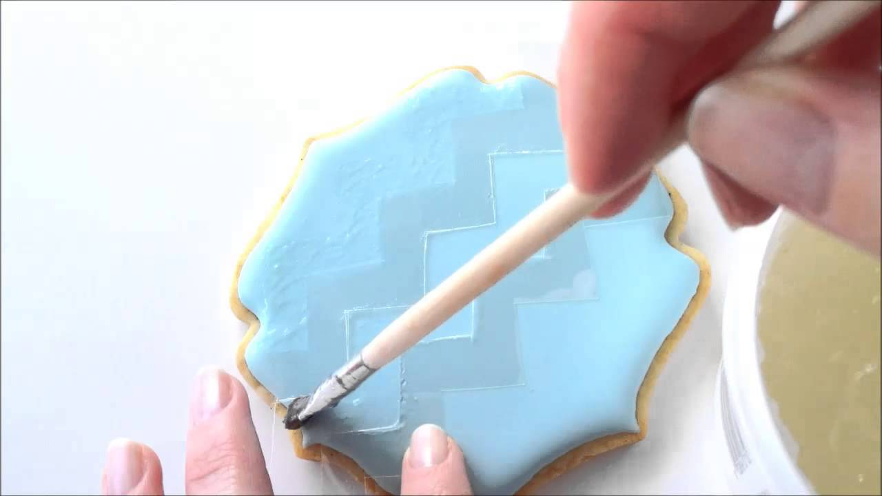 How To Make A Chevron Pattern Cookie Using Royal Icing And