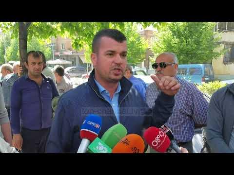 Protestë nga bizneset e vogla në Vlorë e Fier - Top Channel Albania - News - Lajme