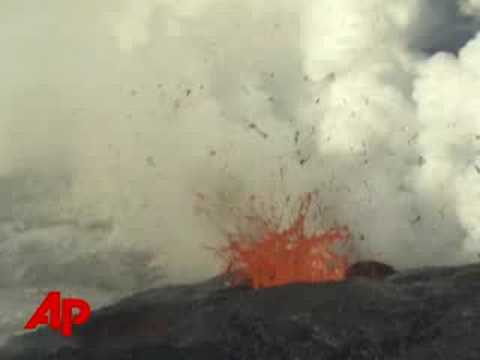 Raw Video: Kilauea Volcano Erupts