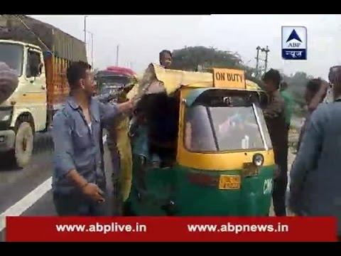 Hooliganism in the name of auto strike in Delhi