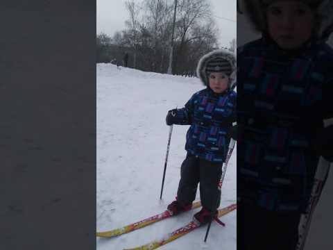 Первые шаги на лыжах