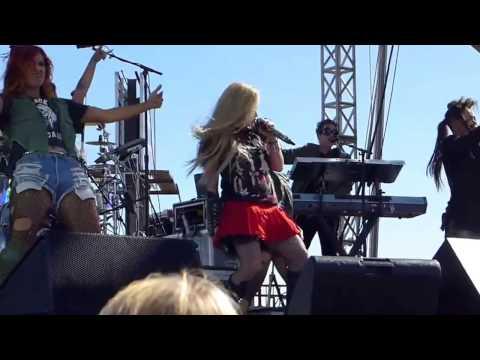 Avril Lavigne - Live Rock N Roll iHeartRadio (HD)