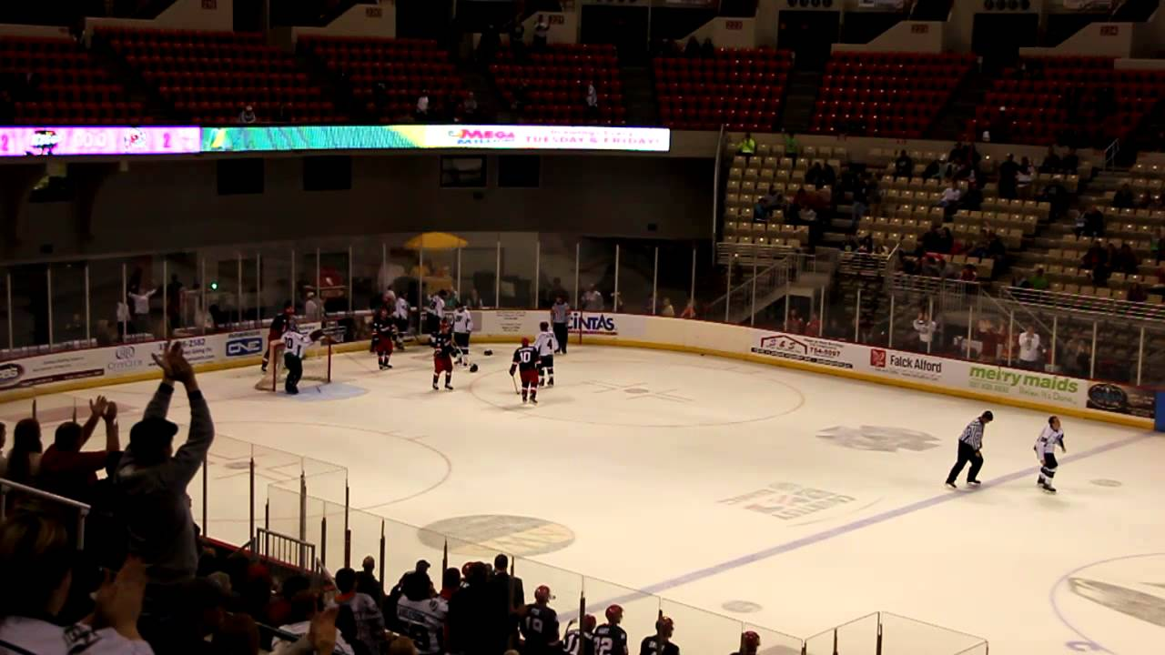 Louisiana IceGators Vs. Havoc Hockey Fight SPHL 10/27/12