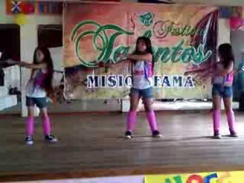 Chicas bailando Limbo de Daddy Yankee  YouTube