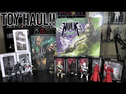TOY HUNTING AT GAME RUNNERS  NEW HOT TOYS AND SH FIGUARTS PICKUPS! MARVEL LEGENDS AND FUNKO POPS!
