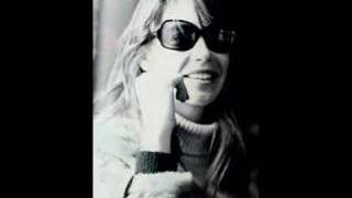 Françoise Hardy - Qui Aime T'il Vraiment