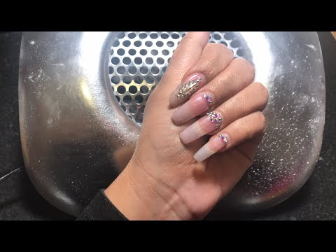 Watch me do my nails 💅🏾