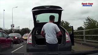 UK Bad Driving Compilation 29/01/18. Bad Drivers, road rage, crashes and more!