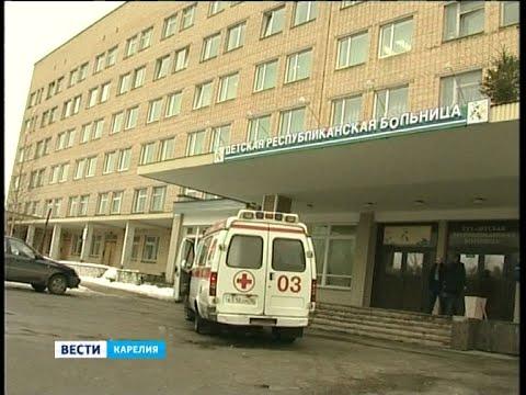 Футбольные ворота упали на голову школьнику в Беломорске