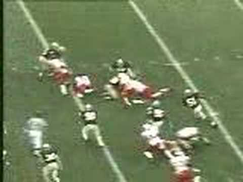 Eric Crouch TD run against Notre Dame (2000)