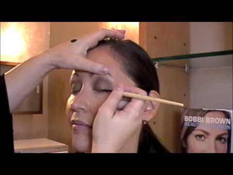 Bobbi Brown fall makeup lesson by Education Exec Katrina Rau