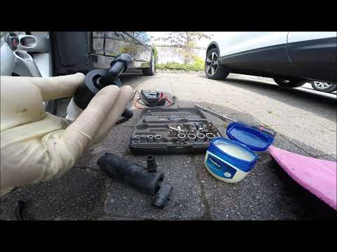 Saab 9-3 2007y Windscreen Washer Pump Replacement