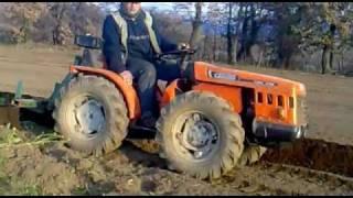 Attrezzi e macchine agricole wikipedia for Semina arachidi