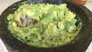 Easy recipe making video about Guacamole