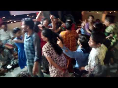 Anand tarang bhajan...jau chala shirdila Abhi Sai ..In shri Sai Mitra mandal bhandup