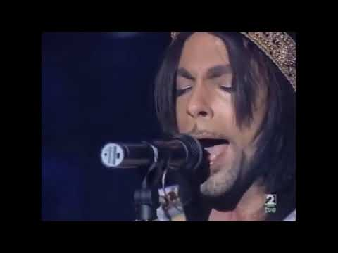 "Prince Live Groove ... Yeah  hee he hee Can i play my guitar ? (TVE 2)""Motherless Child"""