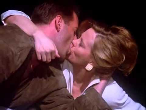 Moonlighting - A Kiss With A Fist