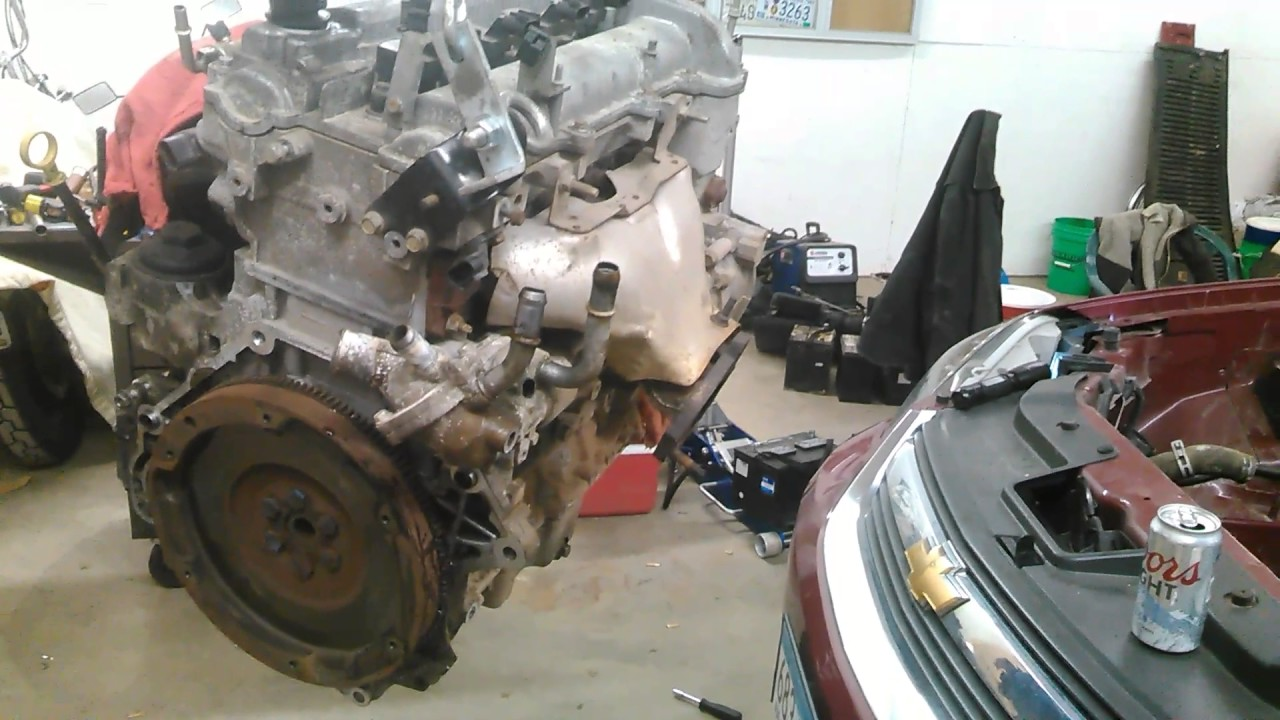 2009 chevy cobalt 2 2 manual transmission engine removal part 2 rh youtube com 2006 Cobalt SS Supercharged Engine 2006 Chevy Cobalt LT Specs
