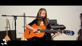 Esin Molla - Nayino (Gitar/Ses)