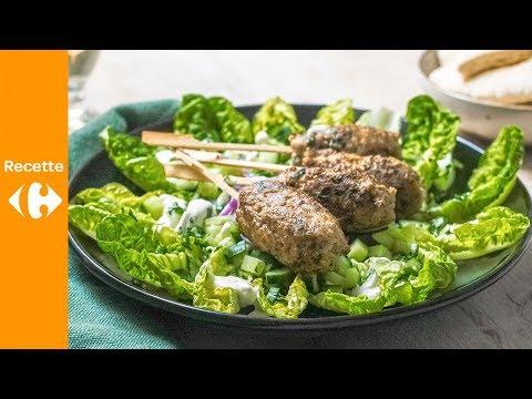keftas-turques,-sauce-au-yaourt-et-à-l'ail