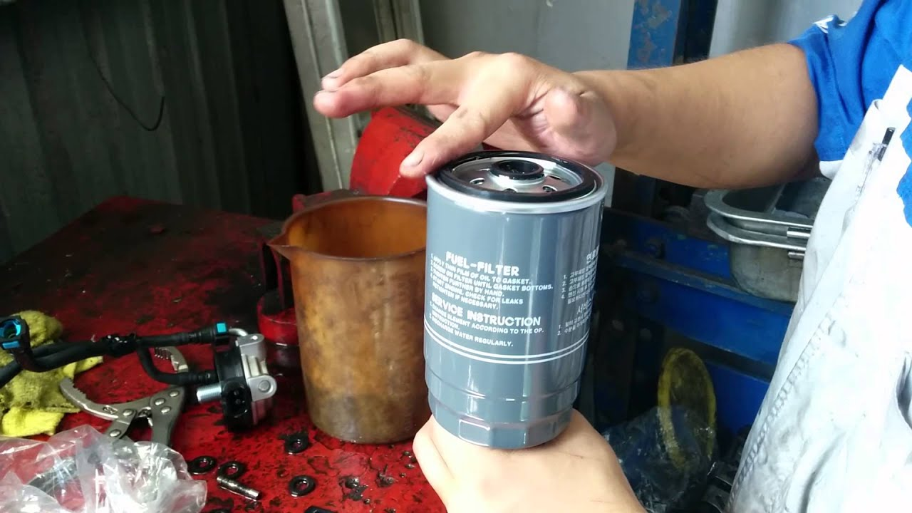 Change Diesel Filter In Hyundai Santa Fe 2014 Part Youtube 2013 Elantra Fuel